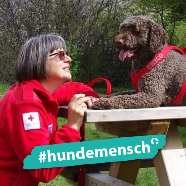 Hundemensch Berta Riedl